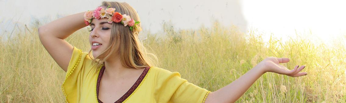 Photo Shoot: Fairy in field