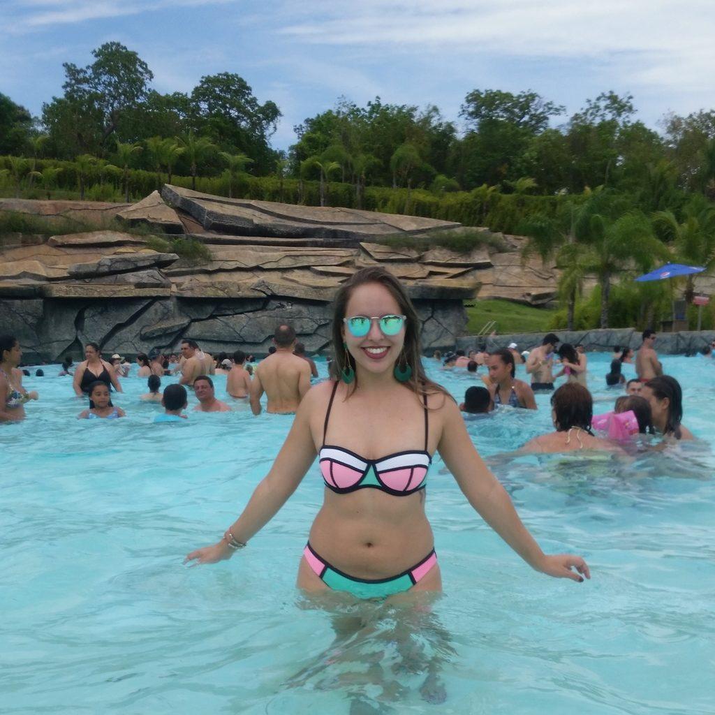Conheça o Hot Park, o maior parque aquático da América do Sul lary di lua